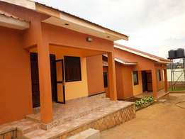 2bedroomed house with 3 toilets in najjera at 500k ugx