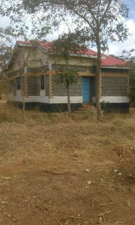 Machakos -Katangi House 4 Sale in 2&1/2 Acre Land. Katangi - image 1