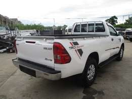 Toyota hilux Single cab KCM number 2010 model loaded with alloy rims