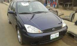 Ford focus used manual gear very neat and clean v4engine
