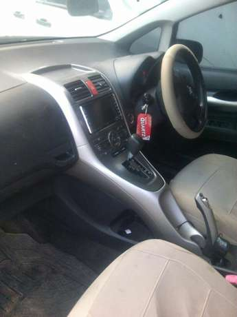 Toyota Auris New model Quick Sale Nairobi South - image 5