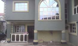 Decent 4bd duplex in a good envirinment with new road to Ologuneru