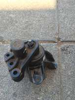Hyundai Elantra right side engine and gear box mountain for sale
