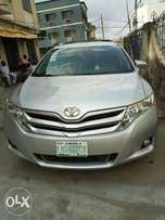 Toyota Venza 2013 model (11-months Used)