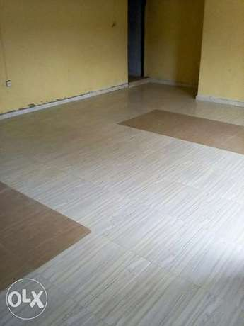 Nicely built 3 Bed Room flat to let Ibadan South West - image 3