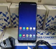 Like New 64GB Galaxy S8 plus with Charger
