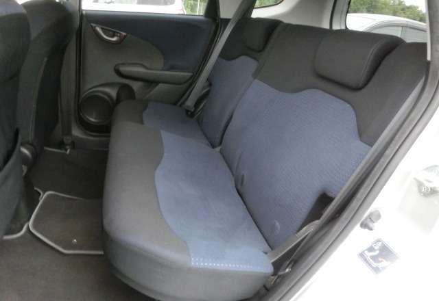 Honda Fit:in mint condition,2009,all colours available Nairobi CBD - image 8