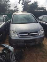 Opel Meziva stripping for parts