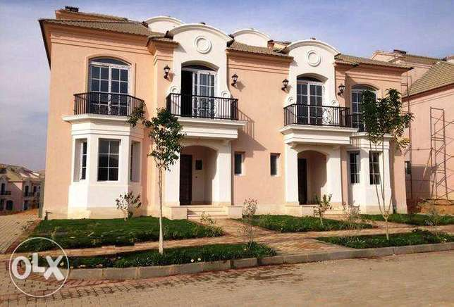 Town house – Middle in Layan Sabour prime location for sale