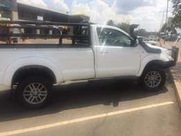 Single cab 4x4 Toyota Hilux D4D Raider