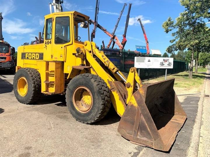 Ford A-64 WHEELLOADER / CHARGEUSE - 13 Tons - 4x4 - *6307 Hours* - 1976