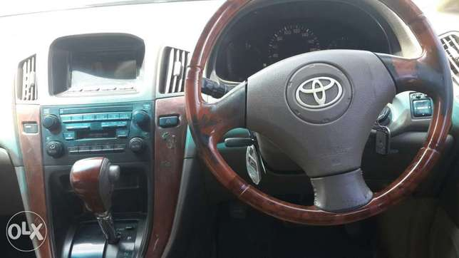 Toyota Harrier In perfect condition Lavington - image 6