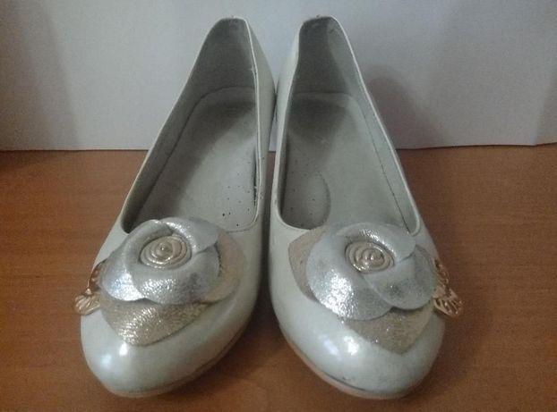 8daff66e864b9d Туфли на каблуке подростковые р 36: 250 грн. - Дитяче взуття Київ на Olx
