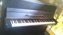 Ludwig meister baby grand piano