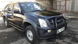 Isuzu dmax 2009 model diesel very clean 1.8M