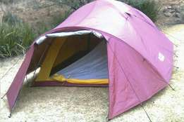 Tent (2 to 3 man light weight hiking tent)