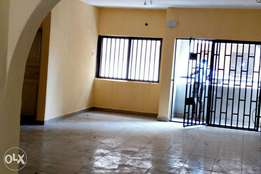 Clean Executive 3bed Rooms Flat at Ajao Estate Isolo
