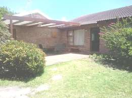 Weekend / Holiday rental in Cape St Francis, R800 per night. Easter.