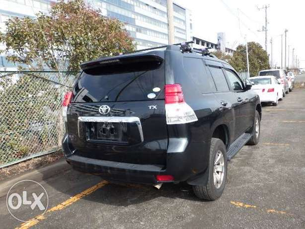 Landcruiser prado grey colour 2011 model excellent condition Kilimani - image 2
