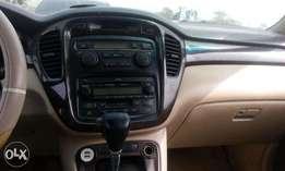 Toyota Highlander Jeep with: Good engine, Factory fitted AC chilling,