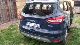 FORD KUGA 5Dr Stripped parts R1