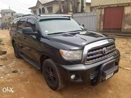 Pimped 4 months registered, very clean Toyota Sequoia 2008