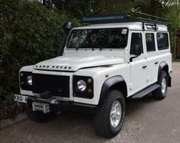 Land Rover Defender KBQ [Manual 6-speed , Diesel , Air Condition]