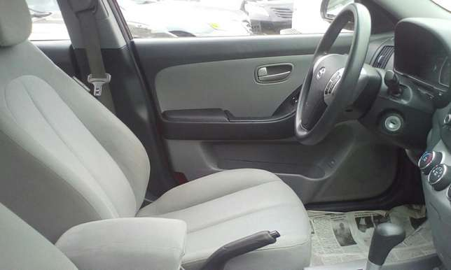 Neat 2010 Toks Hyundai Elantra Up For Grabs!! Lagos Mainland - image 4