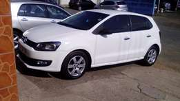 2010 volkswagen polo 1.6 white *cash only*
