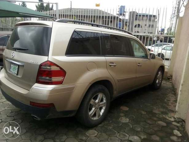 Mercedes-Benz GL450 07 model Nigeria used Ikeja - image 5