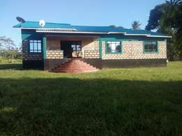 ukunda farm in mabokoni -Its three bedroom house one room is master an
