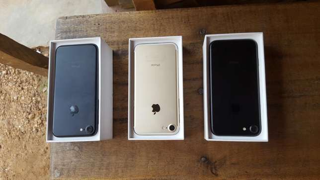 Extra mint Yankee used 32gb iPhone 7 for sale for low price Ibadan Central - image 3