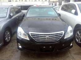 Toyota Crown Royal saloon Metallic black 2009 model just arrived