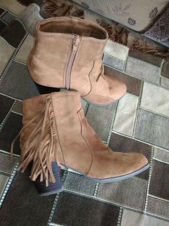 Весняно-осіннє взуття  250 грн. - Жіноче взуття Городок на Olx e8a7376a07684