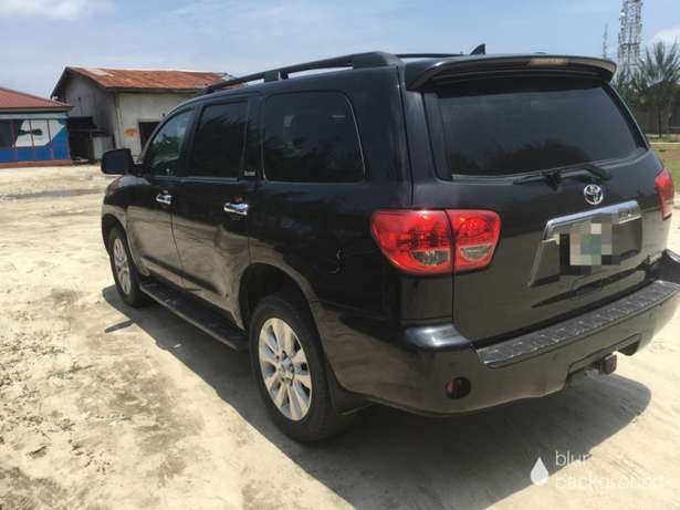 2014 Toyota Sequoia Limited bought brand new Lekki - image 4