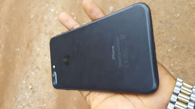 Black factory unlocked black iPhone 7 plus 32gb for sale for low price Saki West - image 4