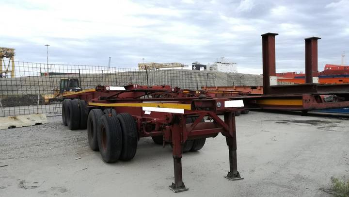 container chassis semi