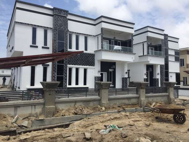 5 beds, 5 baths, 6 toilets plus bq Lekki - image 1