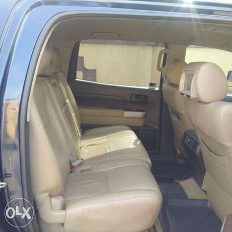 ADORABLE MOTORS: A clean, well used 08 Toyota Thundra Lagos Mainland - image 7