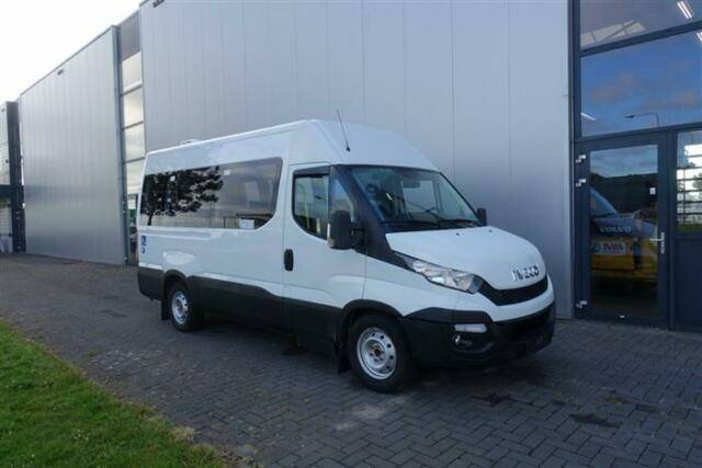 Iveco DAILY 35X130 MANUAL 9 SEATS + 2X WHEELCHAIR - 2015