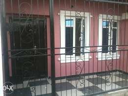 Newly built 3 bed room flat to let at idimu titun.