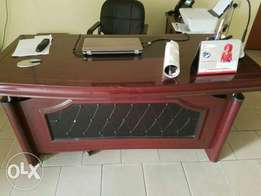 Quality Office Executive Table (RF1)