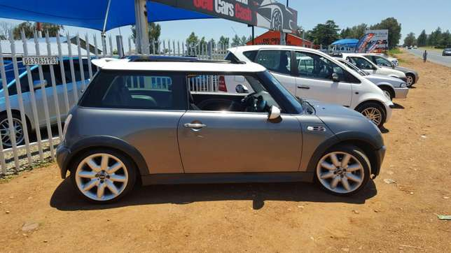 mini Cooper S + panoramic Vereeniging - image 2