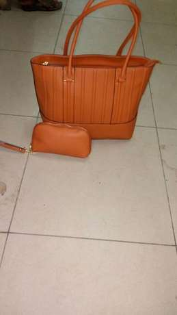 Freshimported varieties of women handbags BuruBuru - image 2