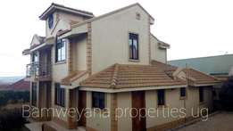Luxurious designed banglow on sale in Bweyogerere at 400m