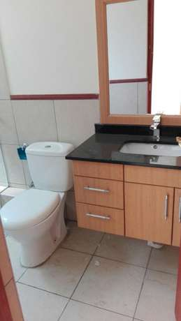 Comfort consult, elegant 2brs apartment all en-suite,lift,gym and save Kileleshwa - image 5