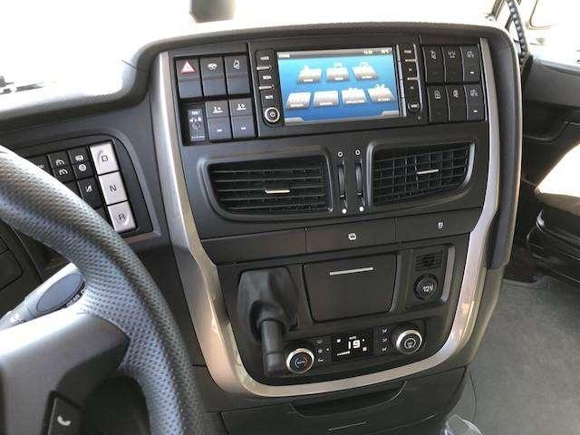 Iveco X-way 35x57 8x4 Autom.kasetti Yhdistelmä - 2018 - image 20