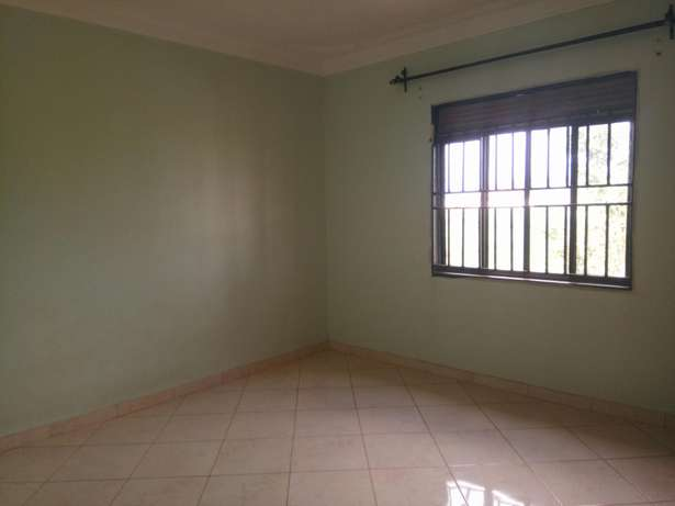 Beautiful 2 bedroom to rent Bukasa. 1.1m ugx Kampala - image 8