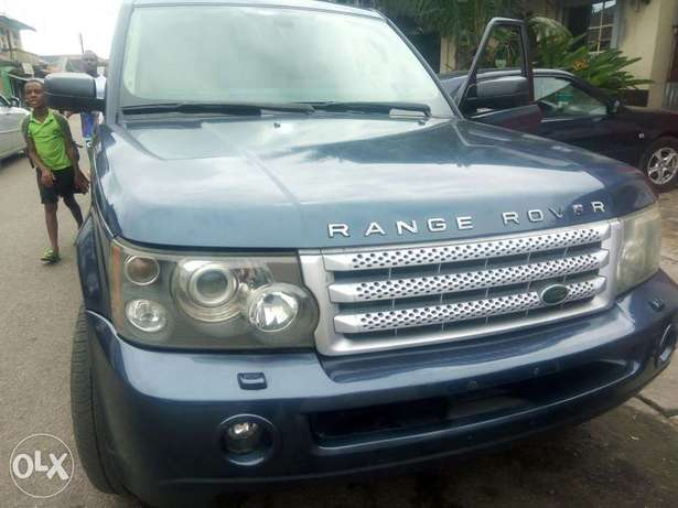 Fairly used range rover in a very sound and perfect condition Port-Harcourt - image 4