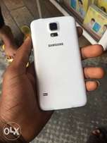U.K. Used Samsung s5 for sell